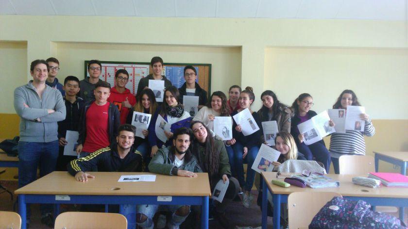 Foto Renaud con sus alumnos
